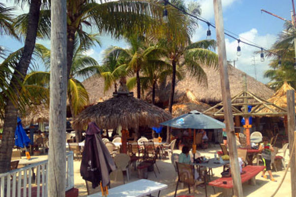 commercial-tiki-huts-03