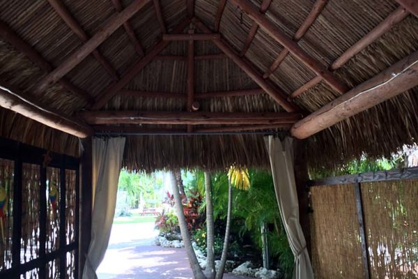 commercial-tiki-huts-08